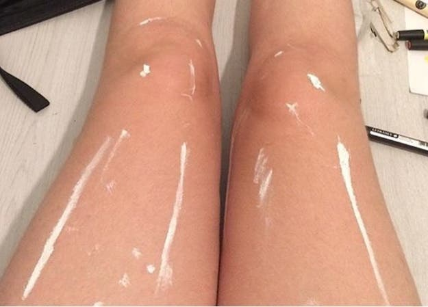 optical illusion shiny legs