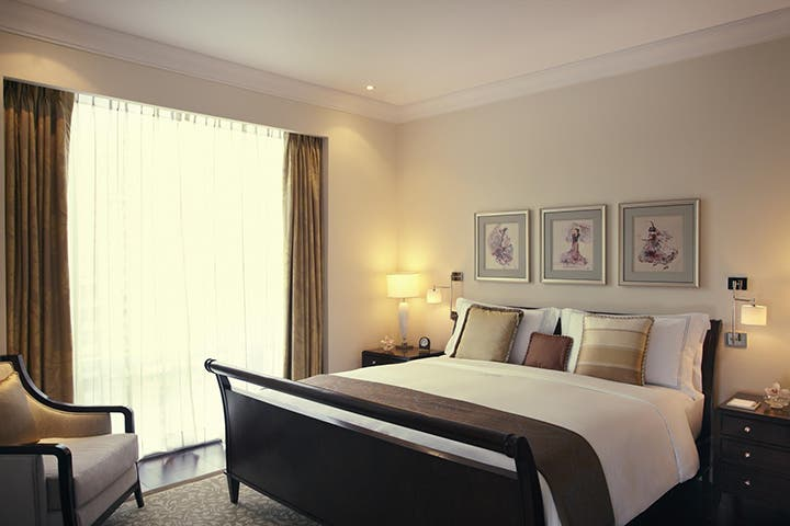 enjoy-discounts-and-deals-in-top-makati-hotels-this-christmas-3