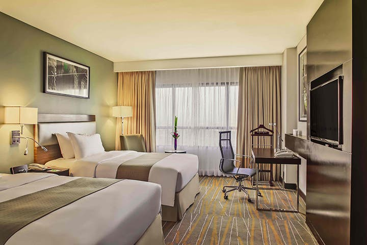 enjoy-discounts-and-deals-in-top-makati-hotels-this-christmas