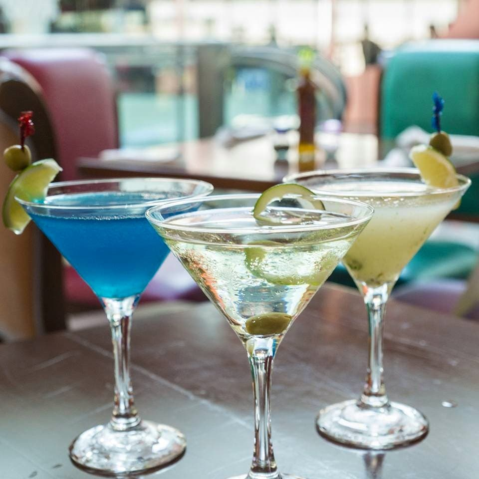 4 Bottomless Drink Promos For Your Next Night Out