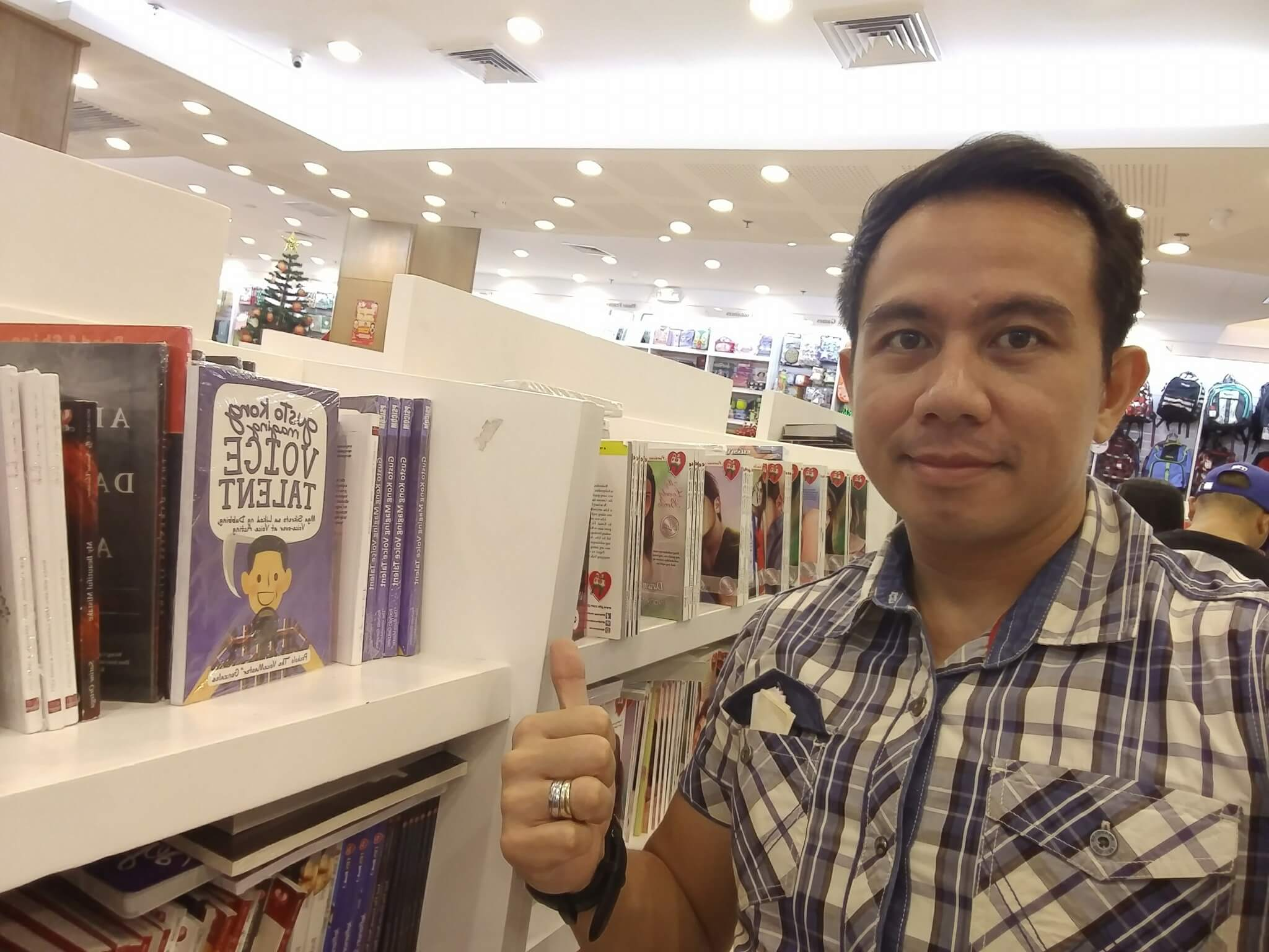 Achievement Unlocked: Released my book in National Bookstore