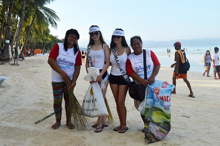 Silka Cleans Up Boracay After Laboracay 4