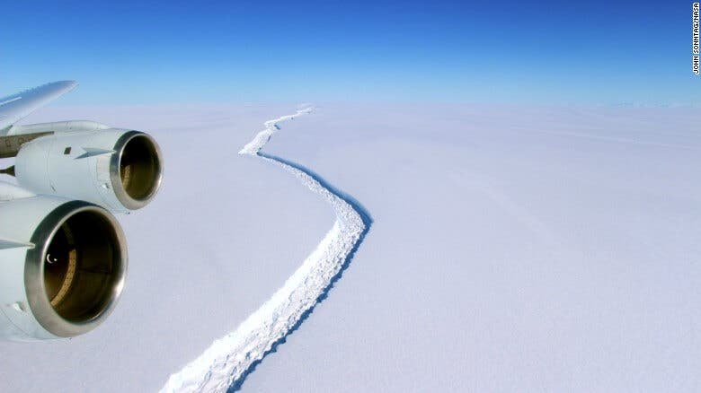 Iceberg splits from Larsen C ice Shelf in Antarctica, CNN