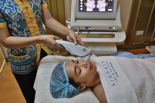 Aramesh Ultrasound 2 - LOOK: This Skin Treatment Can Help You Look and Feel Younger
