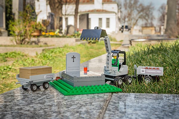 LEGO Funeral Home 1