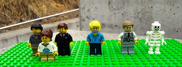 LEGO Funeral Home 3